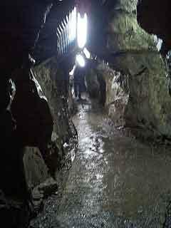 040913-Cave02.jpg